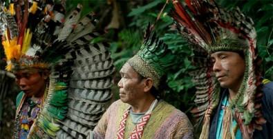 Conhecimento indígena é preservado em livro de papel sintético