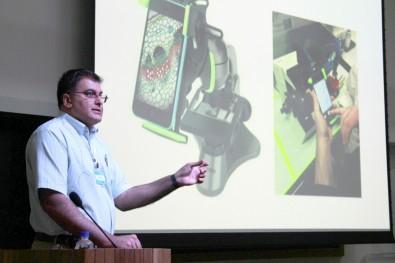 Pesquisadores desenvolvem aplicativo de celular para apoiar no diagnóstico de malária