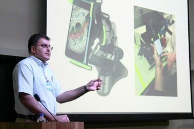 Researchers develop smartphone app to support malaria diagnosis