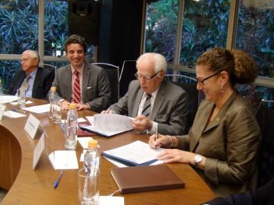FAPESP e National Research Council do Canadá assinam termo de cooperação