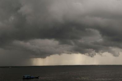 Un estudio revela cómo se producen las partículas de las nubes de la Amazonia