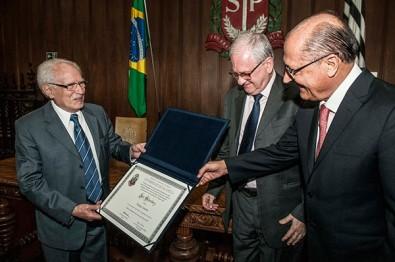 José Goldemberg recebe título de professor emérito da USP