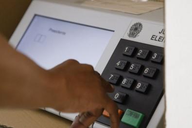 """A desigualdade """"racial"""" nas eleições brasileiras"""