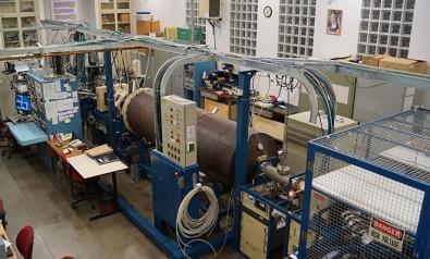 Controle de caos em aceleradores de partículas