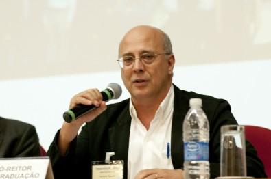 Coordenador do CEPOF recebe o Prêmio Almirante Álvaro Alberto 2019
