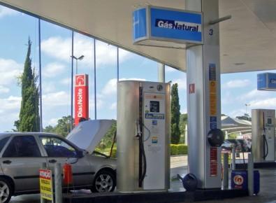 Estudo testa uso de gás natural veicular em carro híbrido