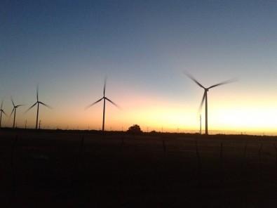 Pesquisa com apoio da FAPESP busca melhorar eficiência de aerogeradores em parques eólicos