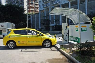 Pós-doutorado em integração de veículos elétricos na Unesp de Ilha Solteira