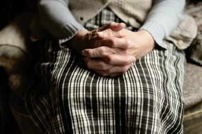 Aplicativo de jogos monitora a saúde de idosos em isolamento social na pandemia de COVID-19
