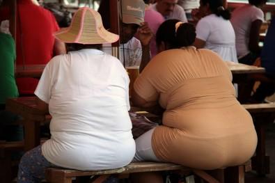 Risco de COVID-19 grave é alto em obesos a despeito de idade, sexo, etnia e doenças associadas