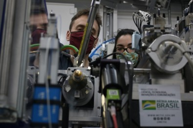 Brazilian synchrotron light source helps scientists look for COVID-19 drugs in first experiment