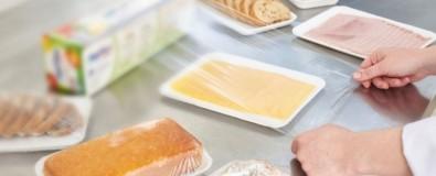 Una película plástica utilizada para la protección de alimentos y superficies inactiva al SARS-CoV-2