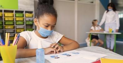 Portal da USP reúne materiais sobre educação na pandemia
