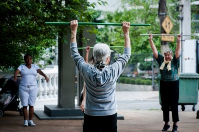 Researchers revise indicator of mobility limitation in older adults
