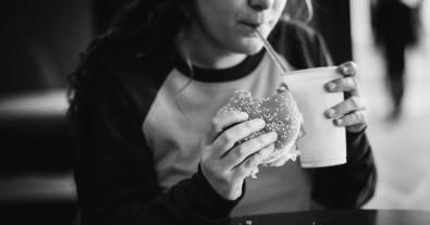Obesidade traz mais risco de doença cardiovascular na vida adulta para meninas do que para meninos