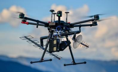 Radar embarcado em drone monitora o crescimento da cana-de-açúcar