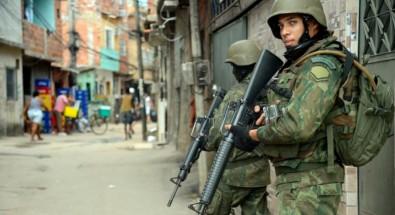 Especialistas debatem violência do Estado, das milícias e de movimentos radicais