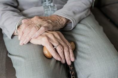 Programa oferece assistência para idosos que sofreram quedas acidentais