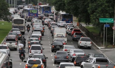 A short period in traffic jam already exposes drivers to high doses of pollution, study indicates
