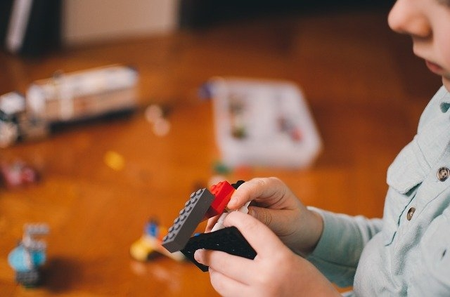 Estudos genéticos e comportamentais têm favorecido o diagnóstico e a inclusão de pessoas com autismo